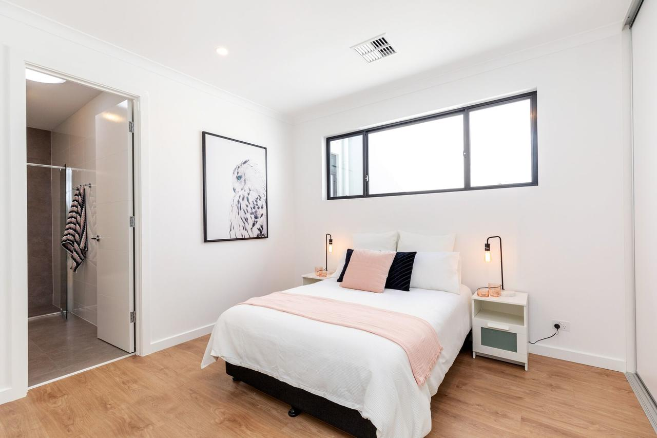 Brand new affordable luxury 3 bedroom 3 bathrooms house close to Adelaide city Chinatown beach Adelaide Airport - South Australia Travel