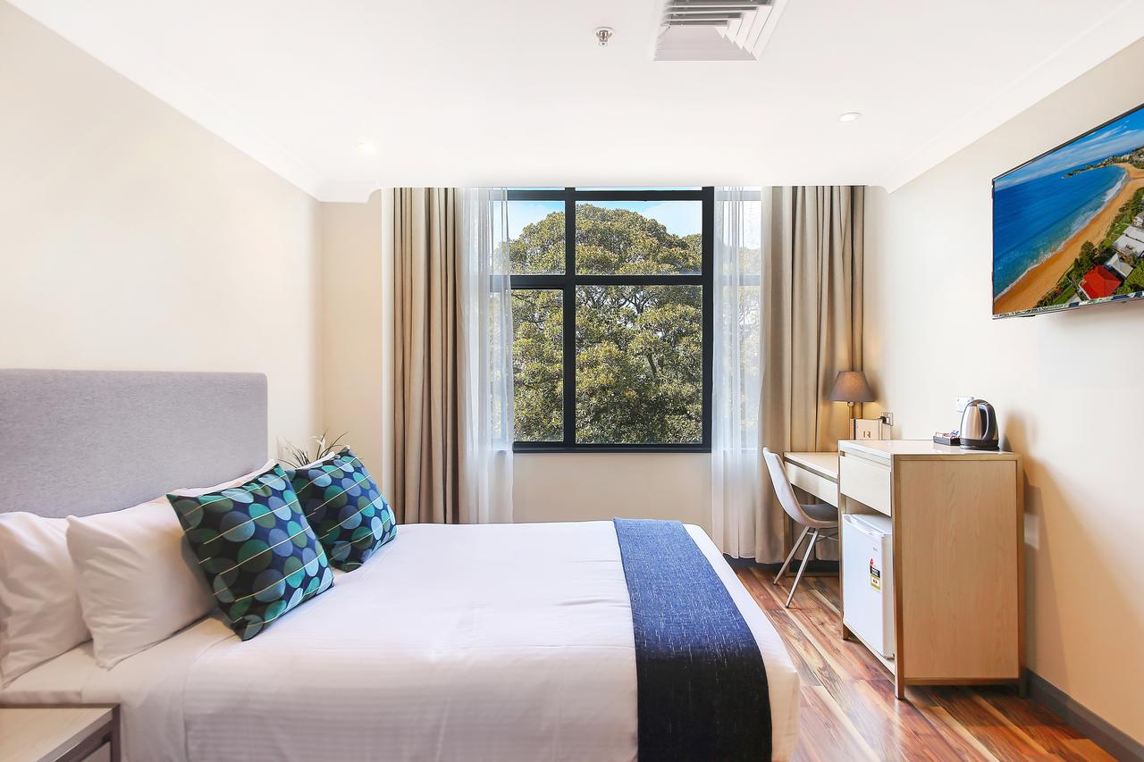 Ryals Hotel - Broadway - South Australia Travel