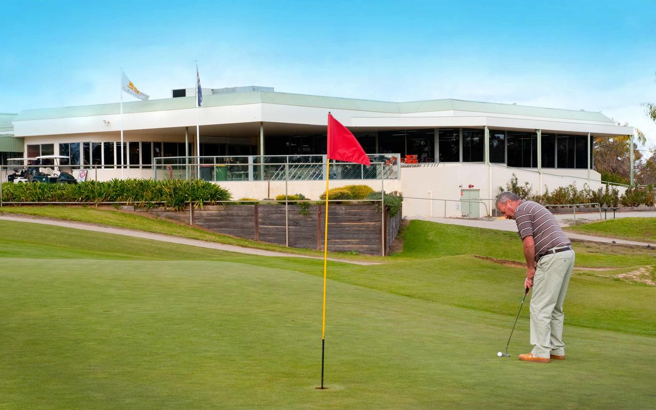 cluBarham Golf Resort - South Australia Travel