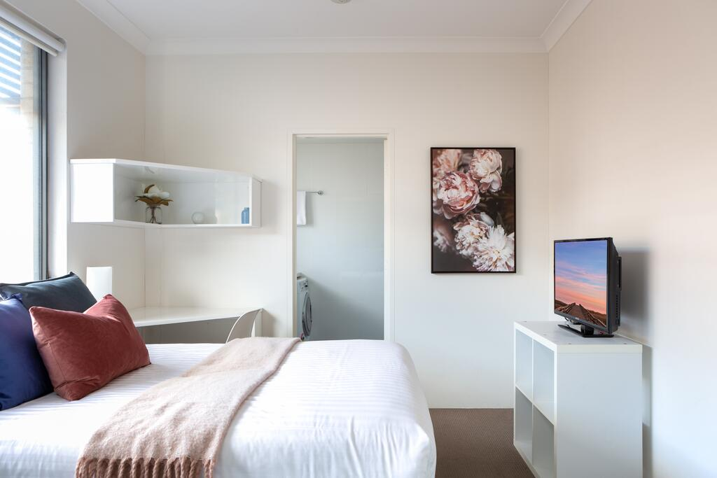 Bright Studio Steps from Westmead Hospital - South Australia Travel