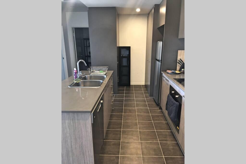Bright Modern Stylish - Top Floor Apt - Woden - South Australia Travel