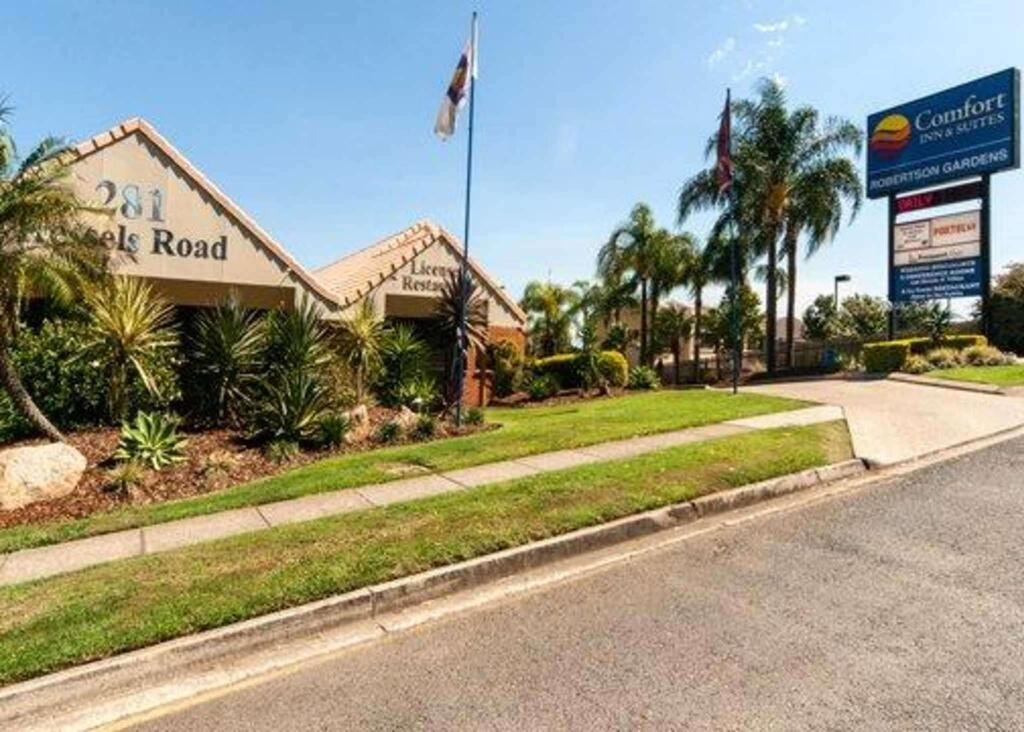 Comfort Inn and Suites Robertson Gardens - South Australia Travel