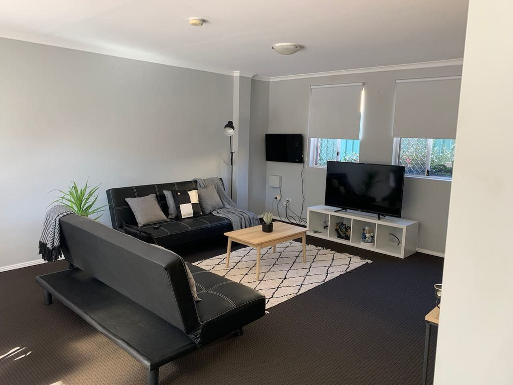 Cozy 3BR Townhouse in Liverpool CBD with parking - South Australia Travel