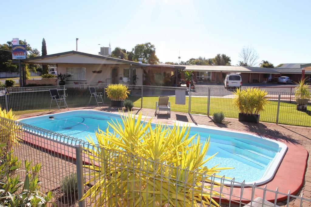 cross roads motel - South Australia Travel