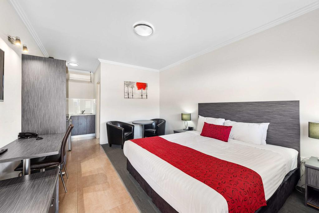 Econo Lodge Moree Spa Motor Inn - South Australia Travel