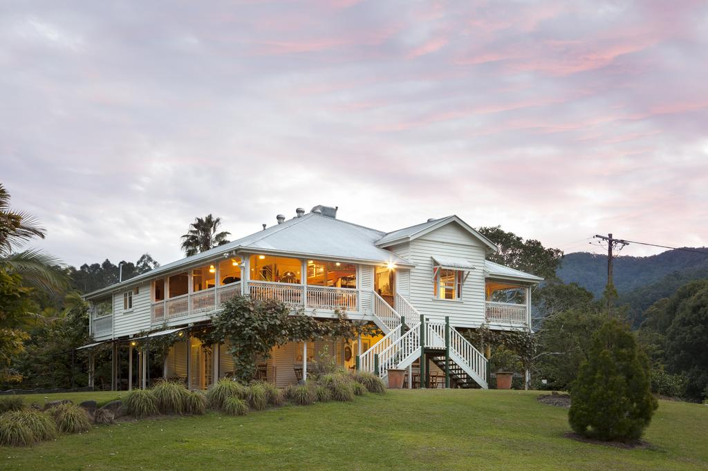 Mavis's Cabins  Mt Warning - South Australia Travel