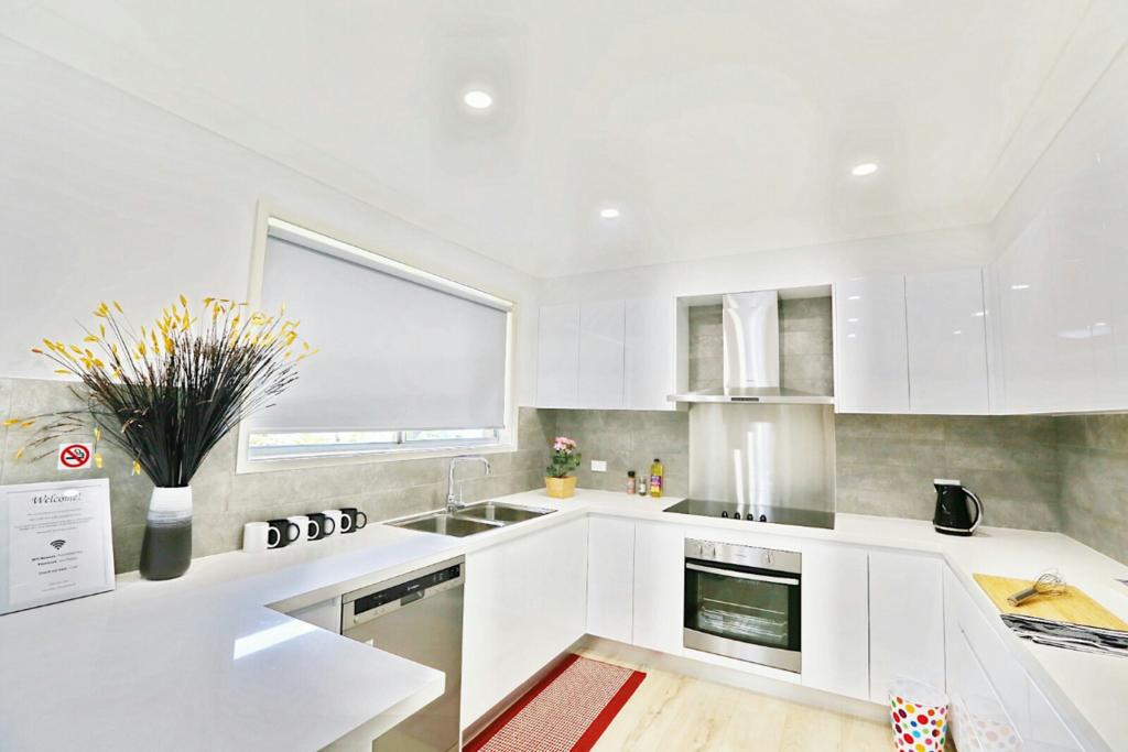 Modern 4-Bedroom House near Singleton CBD Hunter Valley - South Australia Travel