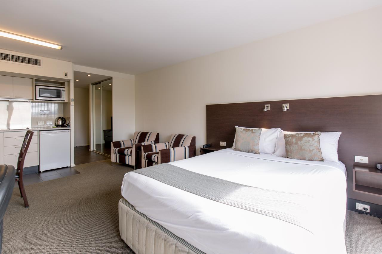 St Ives Motel Apartments - South Australia Travel