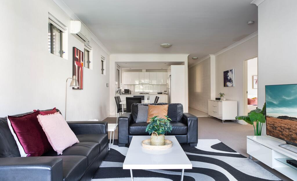 Spacious Two-Bedroom Apartment near Hospital - South Australia Travel
