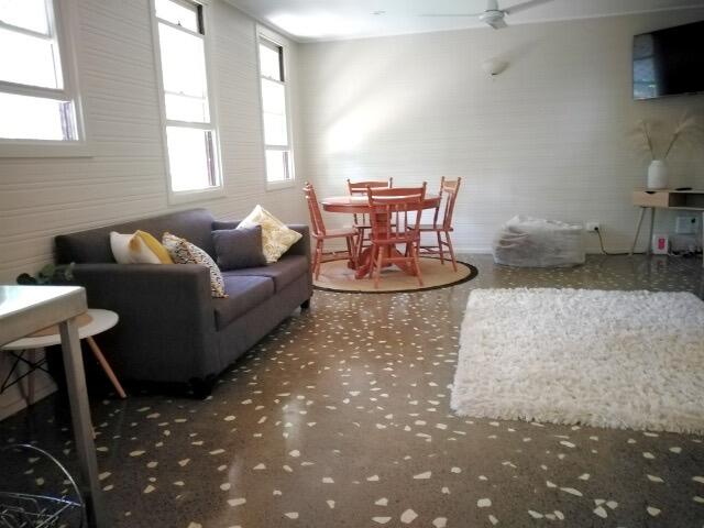 Stranded Nowhere to Stay Sanitised Apartment Sleeps 4 Netflix Wifi Pool - South Australia Travel
