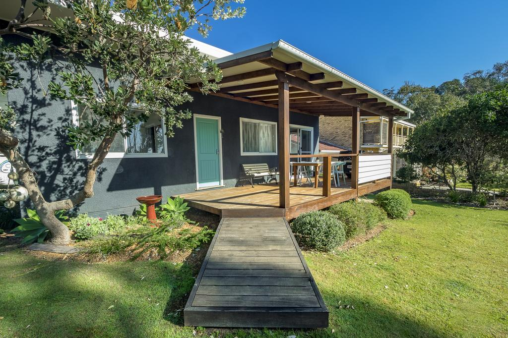 Tallowood beachfront cottage - South Australia Travel