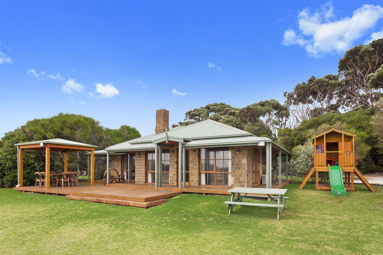Apollo Bay Cottages - South Australia Travel