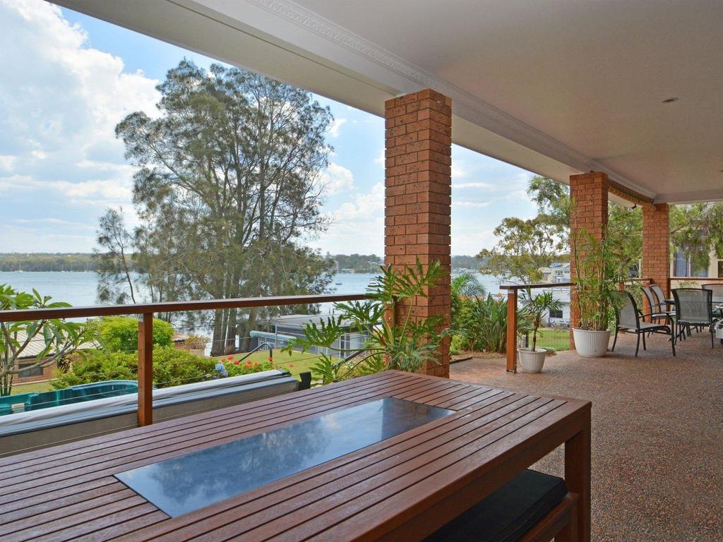 The House on the Lake  Fishing Point Lake Macquarie - honestly put the line in and catch fish - South Australia Travel