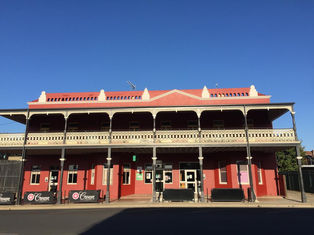 Tumut Star Hotel - South Australia Travel