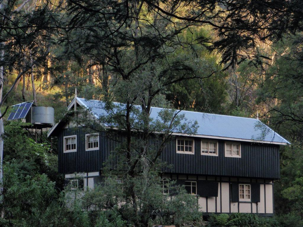 Walhalla Coach House - South Australia Travel