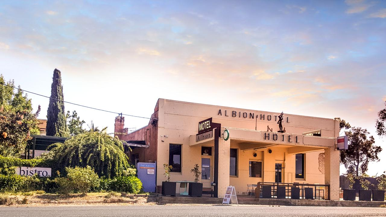 Albion Hotel and Motel Castlemaine - South Australia Travel