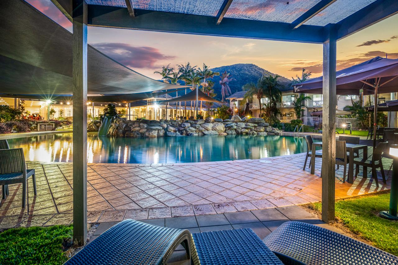 Hotel Grand Chancellor Palm Cove - South Australia Travel
