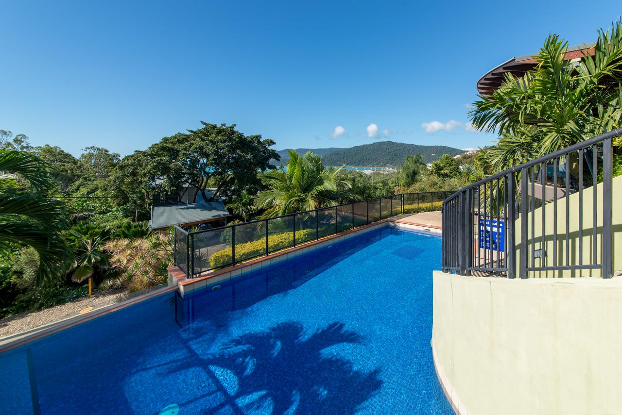 Paradise Penthouse at Waves - Airlie Beach - South Australia Travel