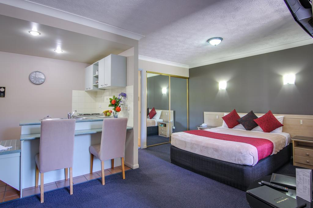 AAA Airport Albion Manor Apartments and Motel - South Australia Travel