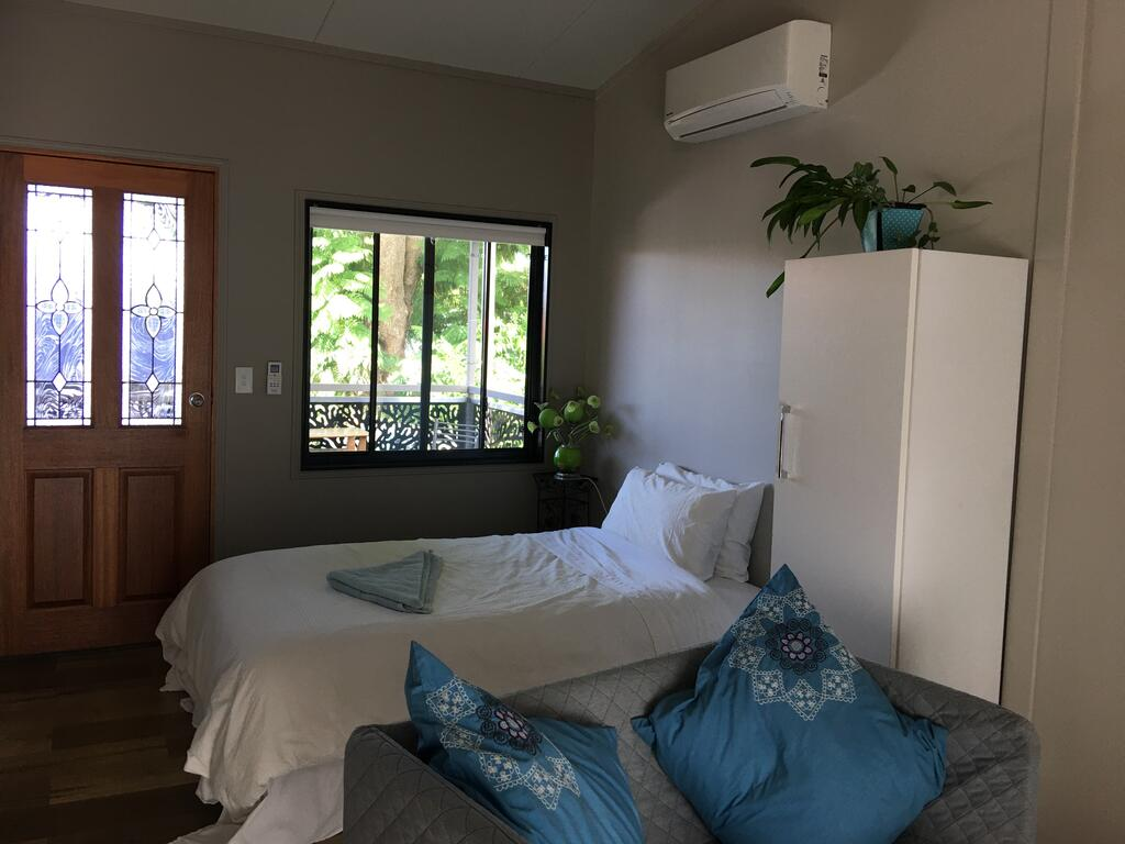 Annerley-granny flatprivate new convenience - South Australia Travel
