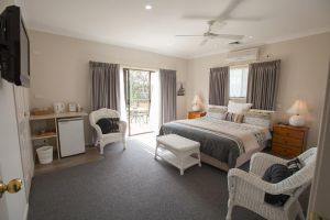 Batemans Bay Manor - Bed and Breakfast - South Australia Travel