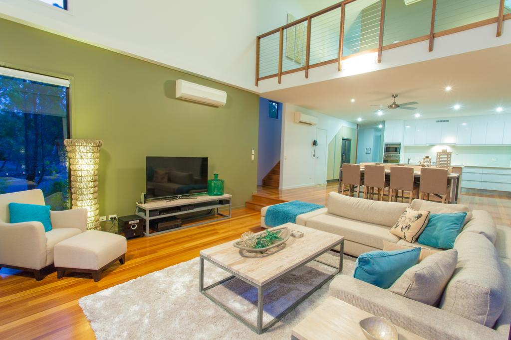 Beach Road Holiday Homes - South Australia Travel