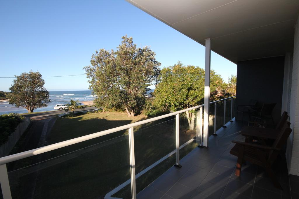 BEACHFRONT 3- 3/12 Bundella Ave LC - South Australia Travel